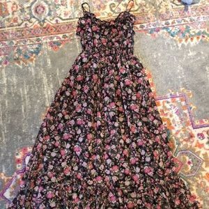 💕 dreamy floral ruffle maxi dress size small